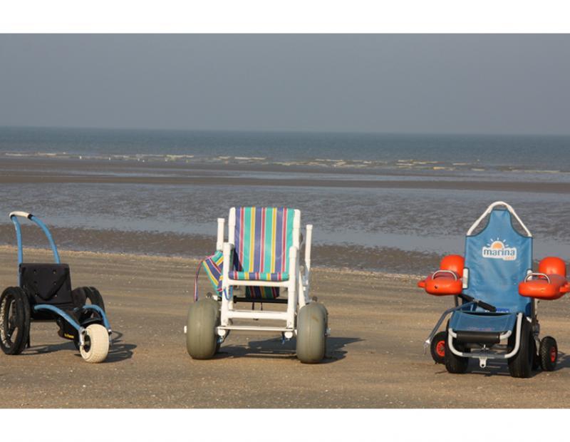 Strandrolstoel voor uw vakantie in ons rolstoelappartement